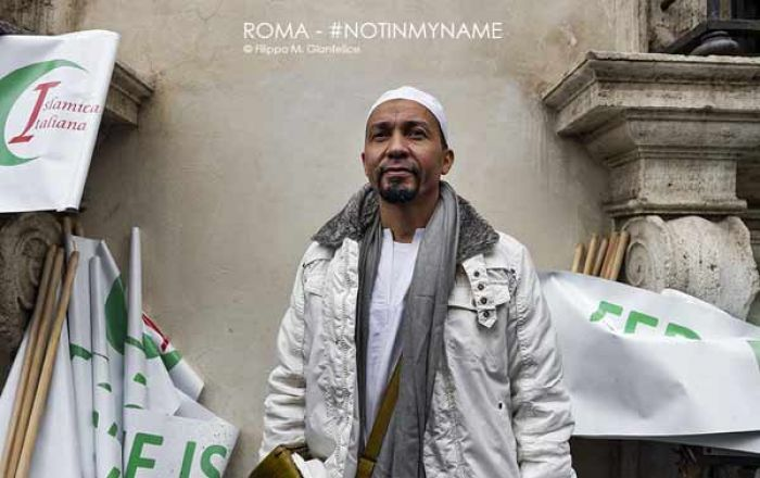 Not in my name. LE FOTO