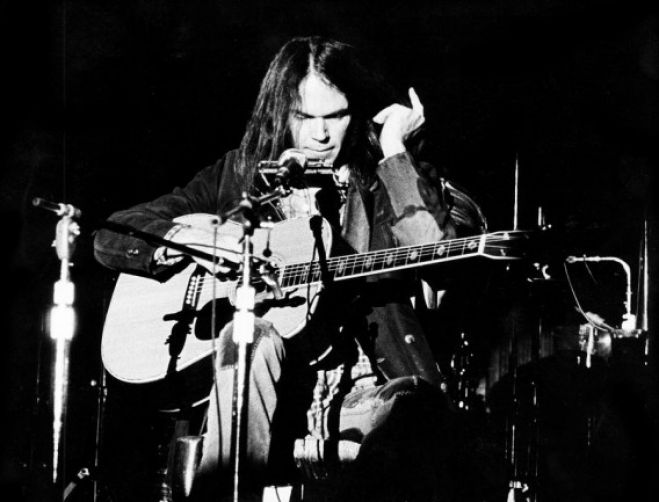 "Musica. ""After the gold rush"", l'America secondo Neil Young"