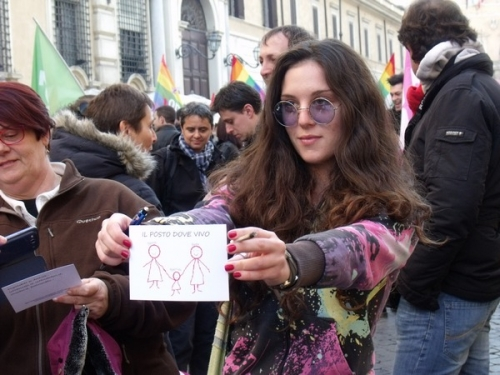 Love is Right. Contro l'omofobia in piazza a Roma. LE FOTO