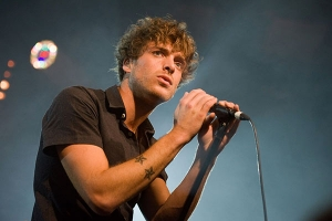 Caustic Love di Paolo Nutini evoca Charlie Chaplin. VIDEO